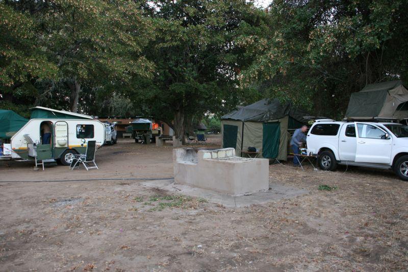 kamp by Elephant.jpg
