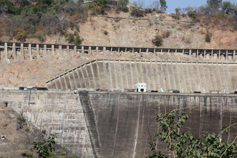 Kariba dam wall.jpg